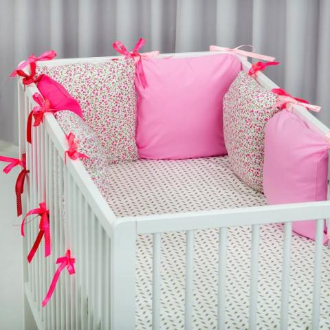 Бампер подушки в кроватку